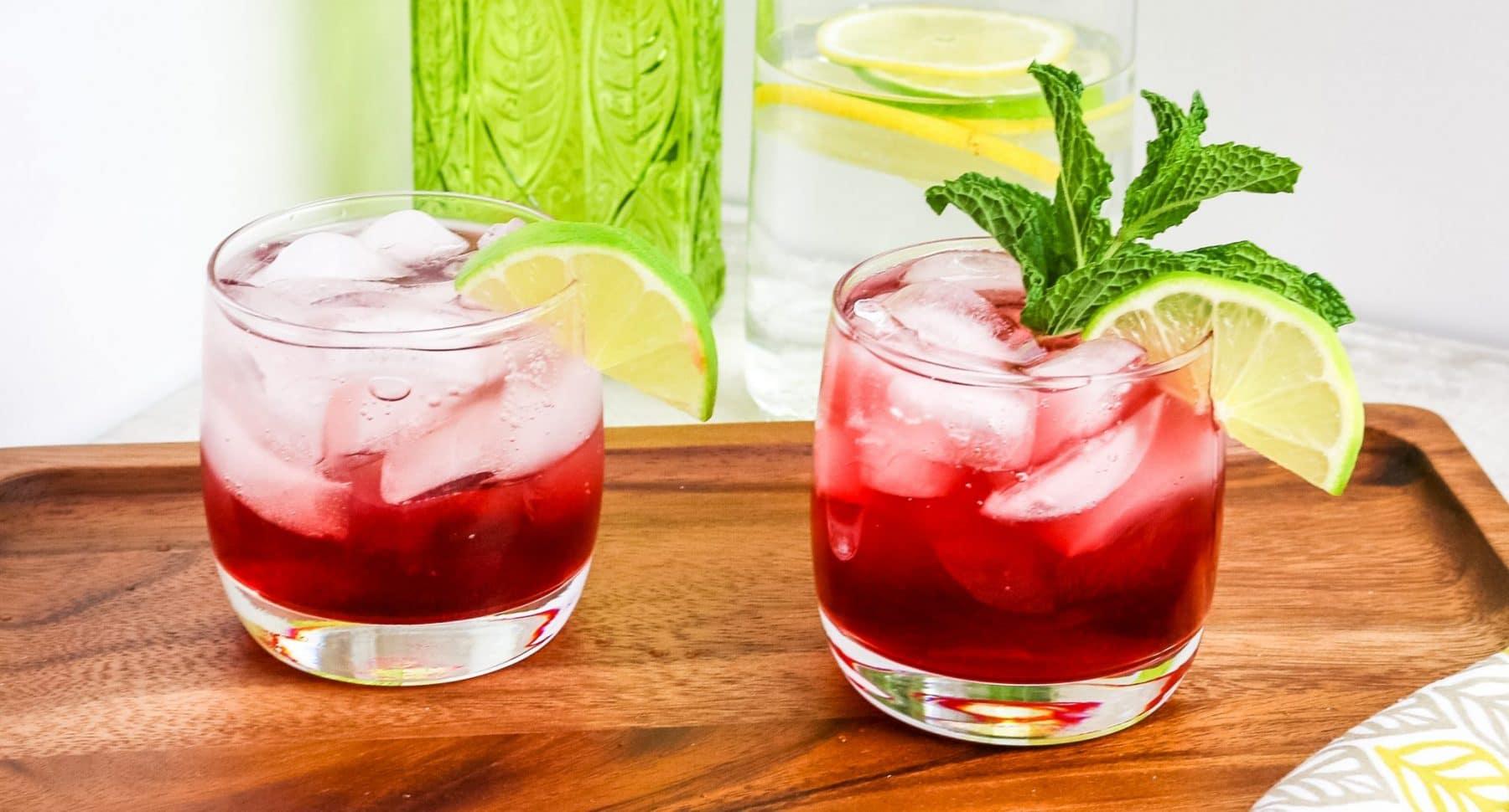 glass of non alcoholic mojito