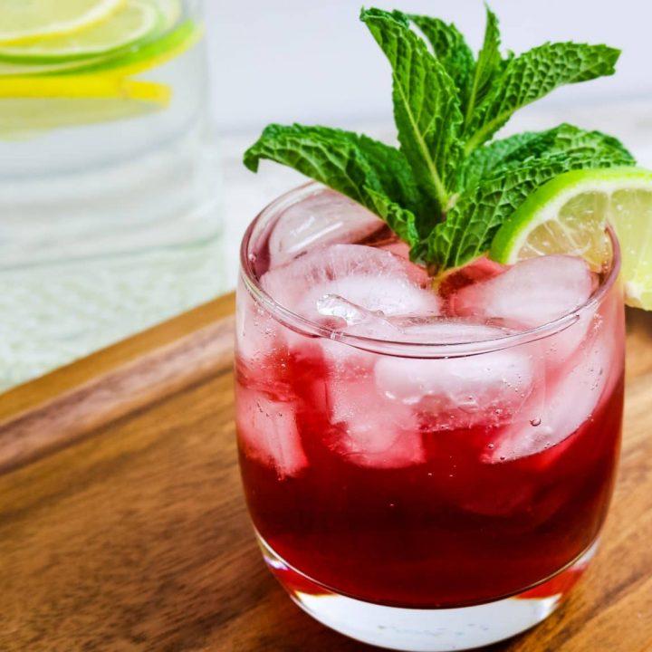 Virgin Mojito (Pomegranate Mocktail)