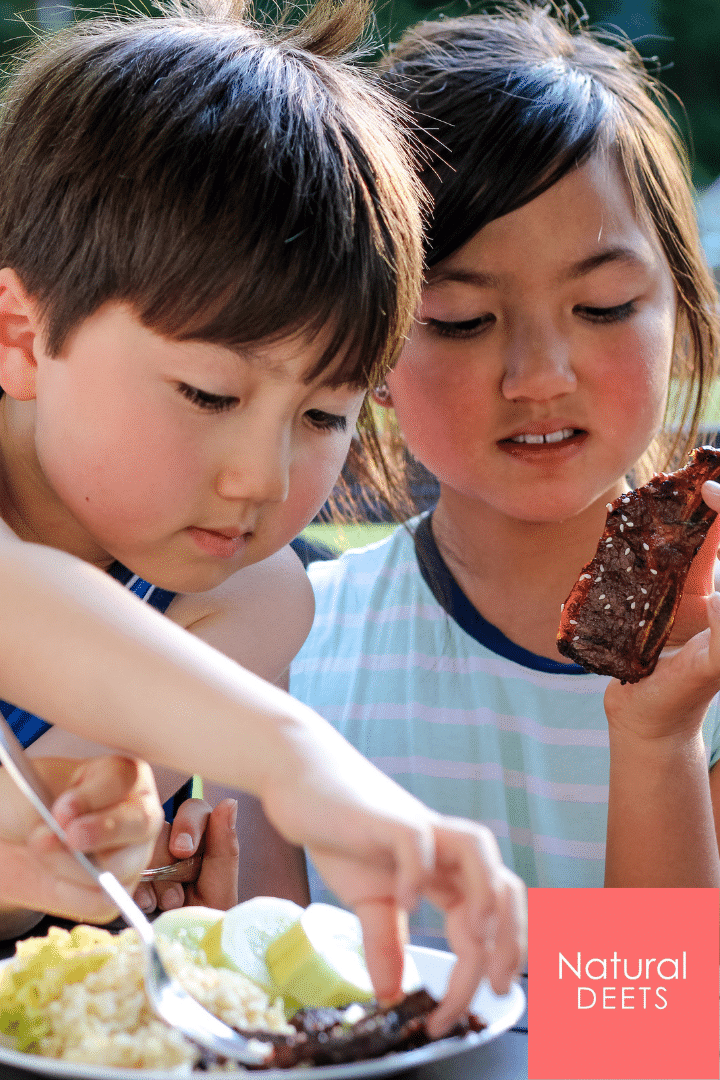 picture of the kids eating kalbi